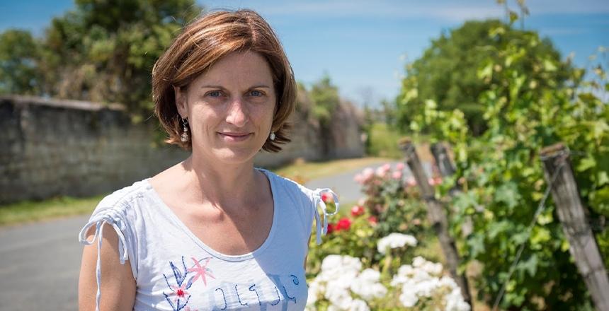 Portrait d'Amélie Neau vigneronne au Domaine de Nerleux